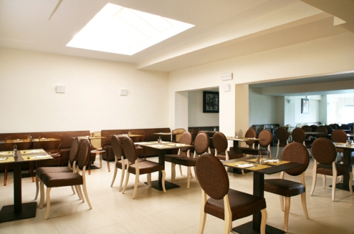 Hotel Golden Beach restaurant.jpg