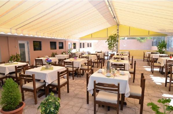 Thassos, Hotel Olympion, interior, restaurant.jpg