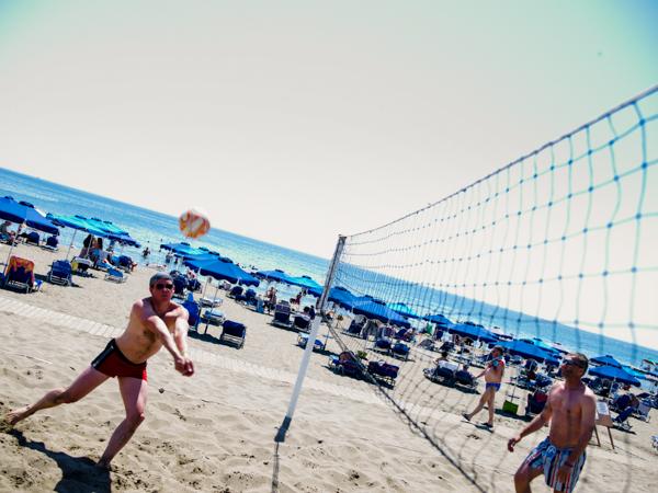 Rodos, Mitsis Faliraki, exterior, plaja, volei.jpg