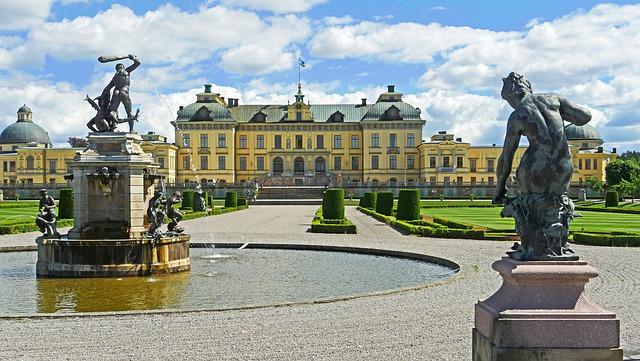 drottningholm-palace-4275464_640.jpg