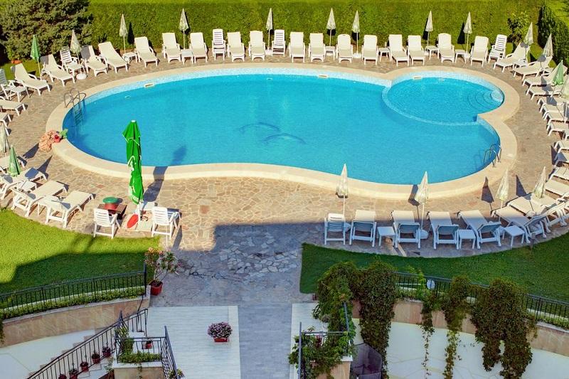 Hotel Atlant Piscina.jpg