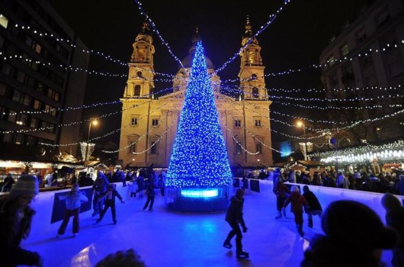 budapest-christmas-markets-tour-in-budapest-321055.jpg
