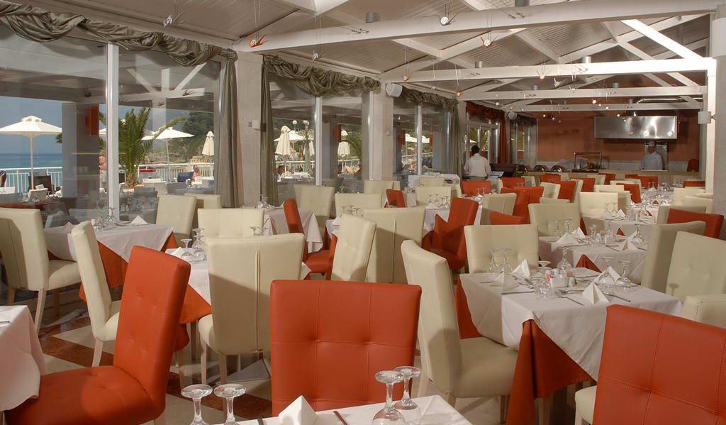 aquis-pelekas-beach-restaurant.jpg