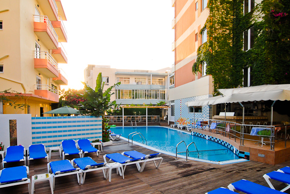 Agla_Hotel_10-SWPOOL.jpg