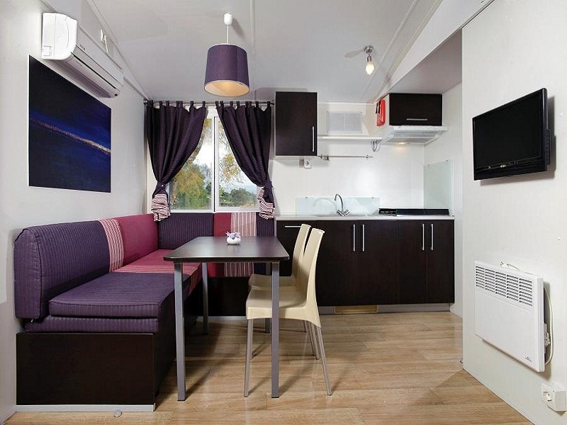 Solaris_Mobile_home_inside5.jpg