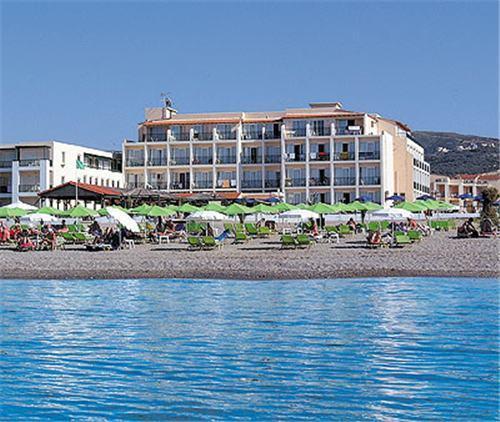 Hotel Golden Beach.jpeg