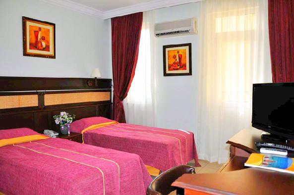 Alanya, Hotel Kleopatra Ada, camera, dubla, twin, AC, tv.jpg