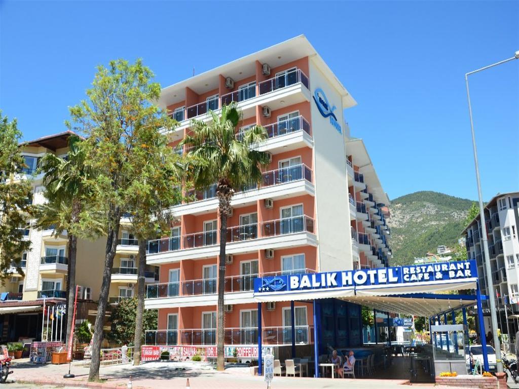 Alanya, Balik Beach Hotel exterior.jpg