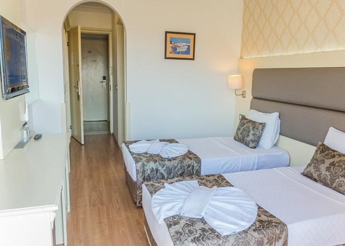GRAND FAROS HOTEL  5.jpg