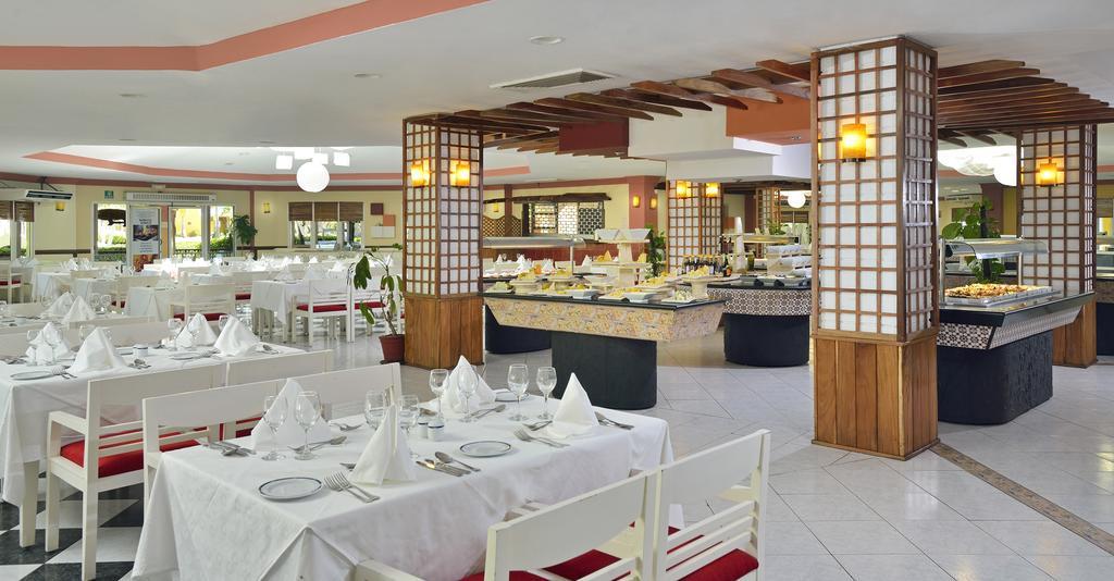 Melia Las Antillas - restaurant.jpg