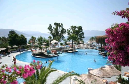 Hotel Salmakis  piscina.JPG