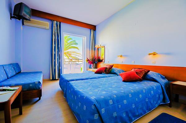 Zakynthos, Hotel Astir Beach, camera tripla.jpg