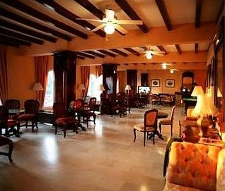 Looby Hotel Paleokastritsa.jpg