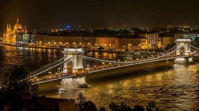 budapest-525857_640.jpg