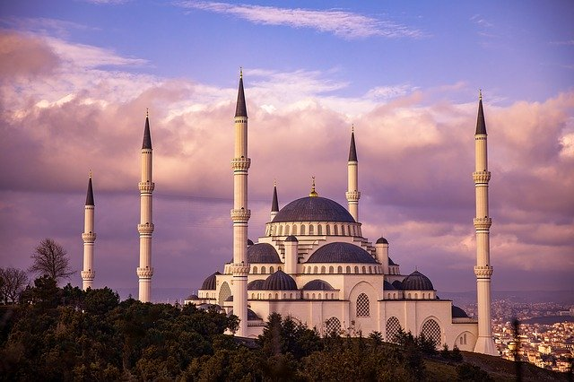 mosque-3905675_640.jpg