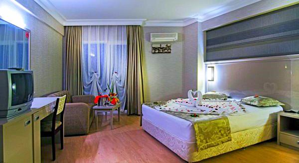 Didim, Hotel Garden of Sun, camera, pat dublu, tv, canapea.jpg