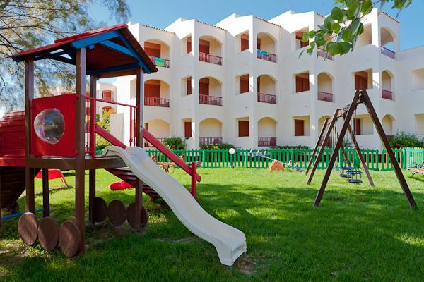 Zakynthos, Hotel Caravel Zante, loc de joaca.jpg