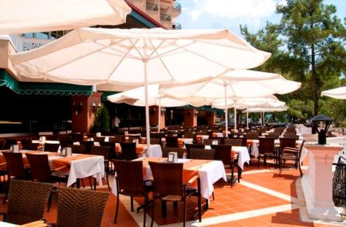Hotel Grand Yazici Club Marmaris Palace  restaurant.JPG