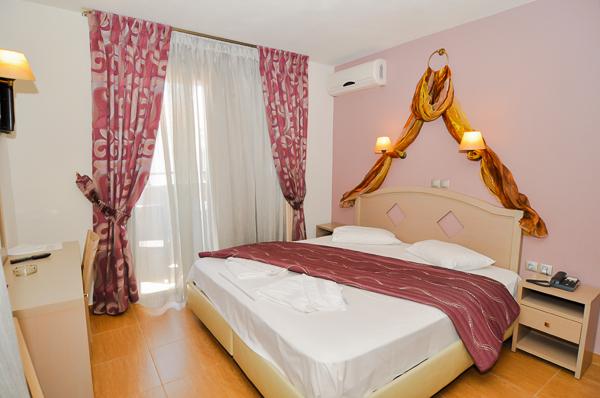 Thassos, Hotel Thalassies Nouveau, camera dubla.jpg