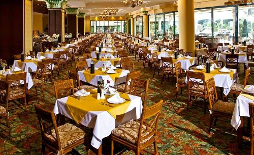 Hotel IC Green Palace restaurant.JPG