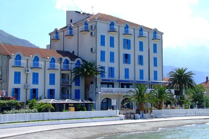 hotel_palma_exterior.jpg