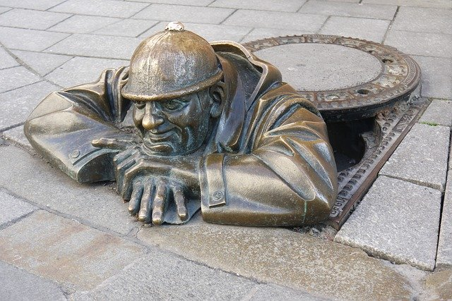 sculpture-1007990_640.jpg