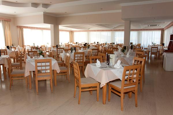 13Restaurant.jpg