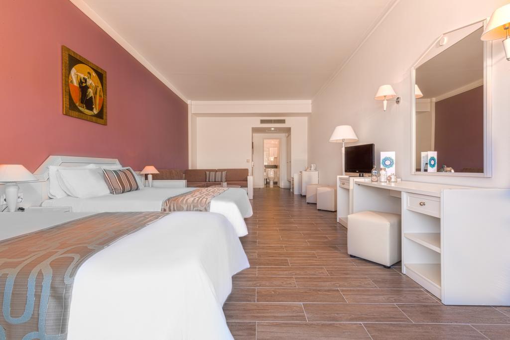 Kipriotis Panorama & Suites.jpg
