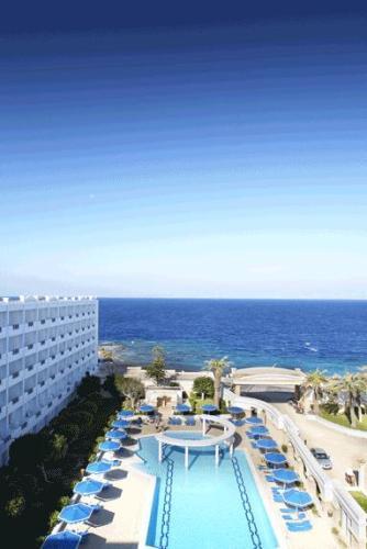 Hotel Grand Mitsis  piscina.JPG