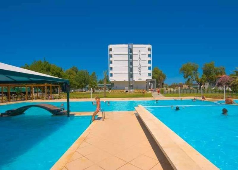 984_1cronwell-platamon-resort_3.jpg