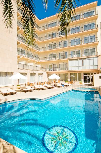 Mallorca, Hotel Las Arenas, piscina exterioara.jpg