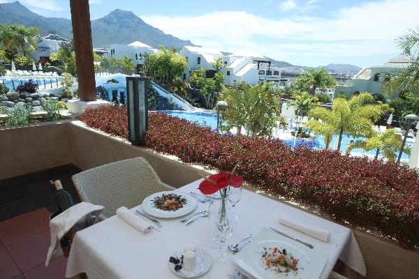 Tenerife, Villa Maria, terasa, piscina.jpg