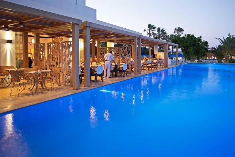 Beach Hotel & Spa 2.jpg