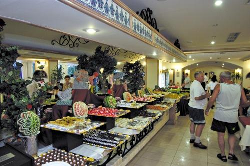 Hotel Fame Residence Goynuk restaurant.jpg