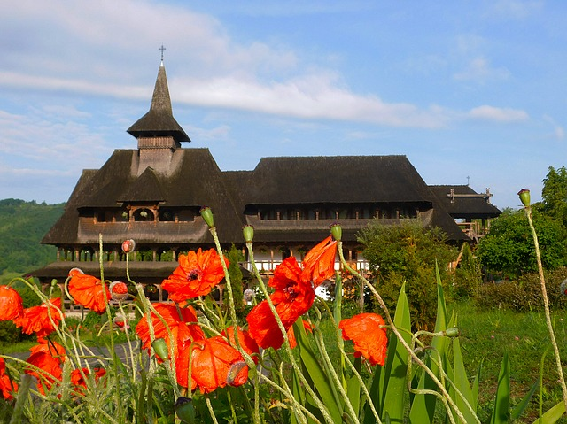 monastery-1434601_640.jpg