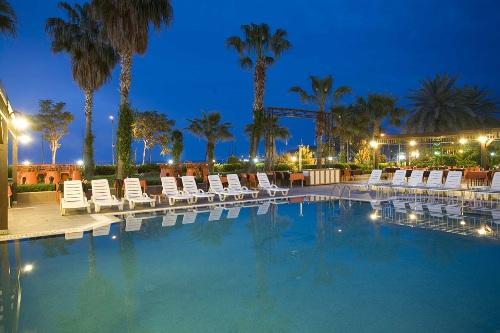 Hotel Fame Residence Park piscina.jpg