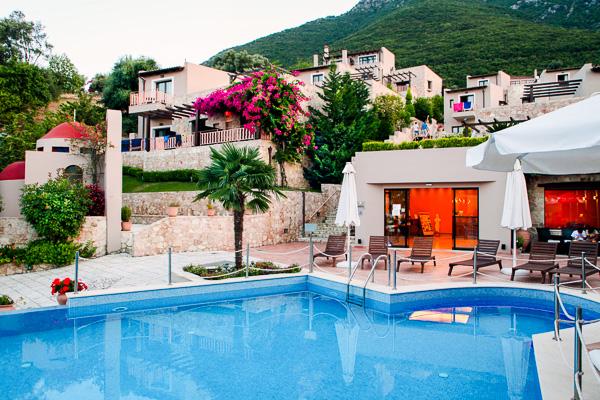 Tesoro, Lefkada, exterior, piscina, hotel.jpg