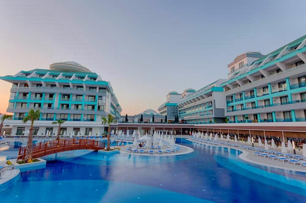 Belek, Sensitive Premium Resort & Spa, piscina si hotel exterior.jpg