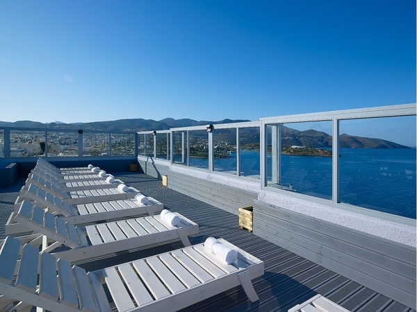 Creta, Hotel Mistral Bay, sezlonguri, peisaj.jpeg