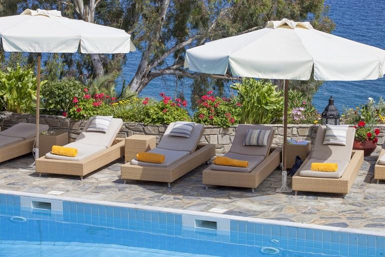 aegean suites piscina 2.jpg