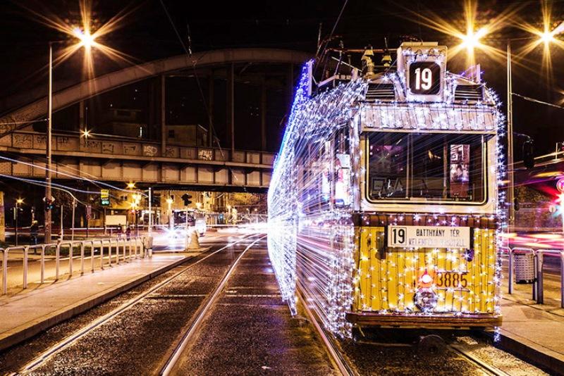 Budapest-Christmas-Tram-3.jpg