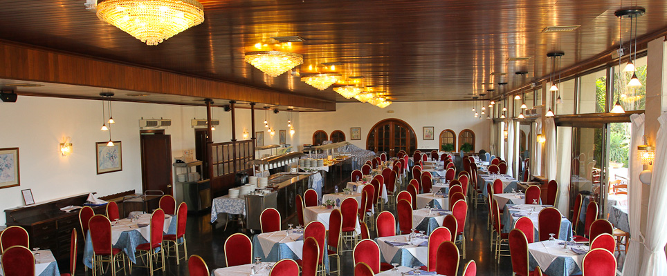 Corfu, Hotel Messonghi Beach, restaurant.jpg