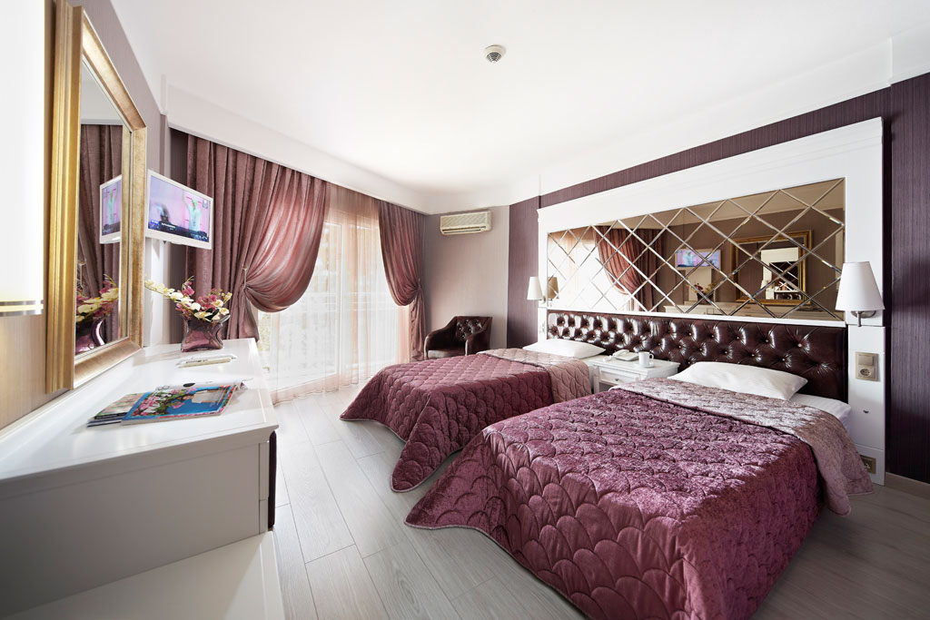 iphotels_ideal_pearl_standard_room_01.jpg