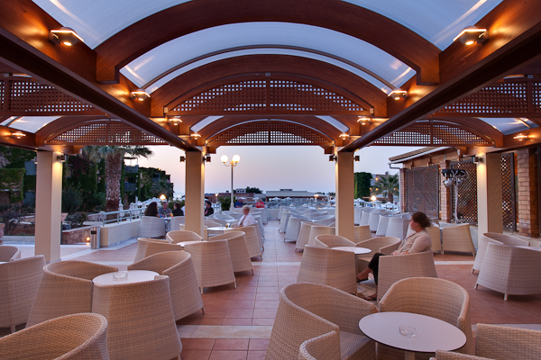 Creta, Hotel Aquis Bella Beach, terasa.jpg
