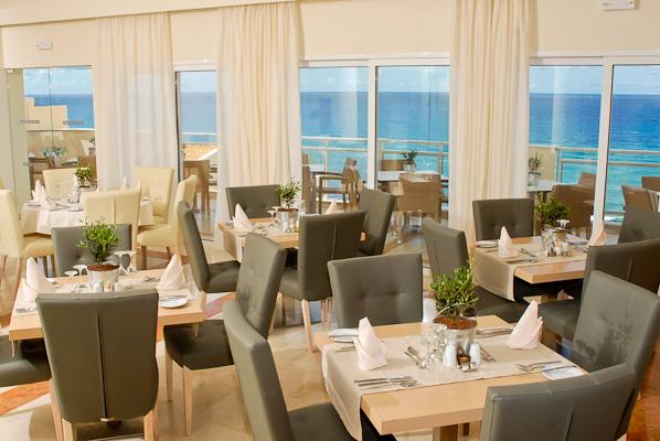 Corfu, Hotel Aquis Pelekas Beach, restaurant.jpg