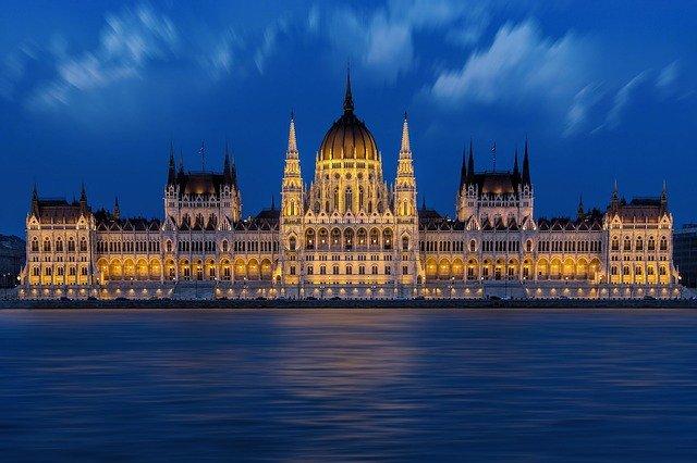 budapest-1440679_640.jpg