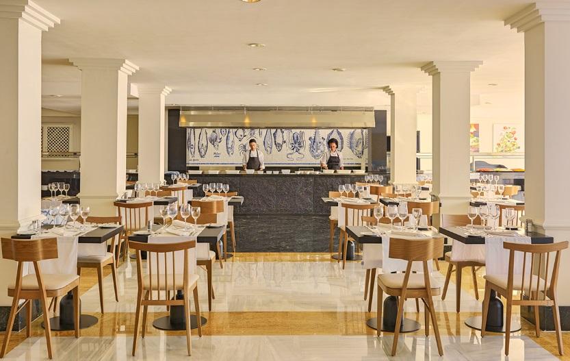 Mallorca_Hotel_H10_Boutique_Blue_Mar_Mallorca_restaurant.jpg