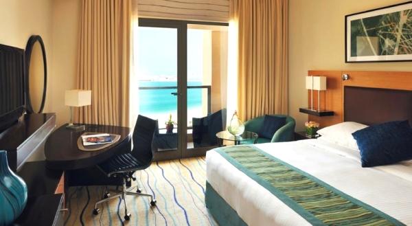 Dubai, Movenpick Jumeirah Beach, camera, pat dublu, peisaj, tv.jpg