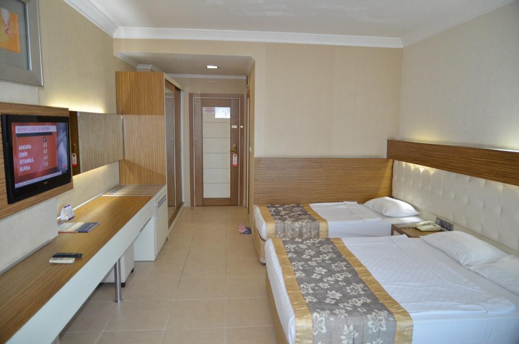 2grand_zaman_garden_hotel_standard_double_room_main_building_05.jpg