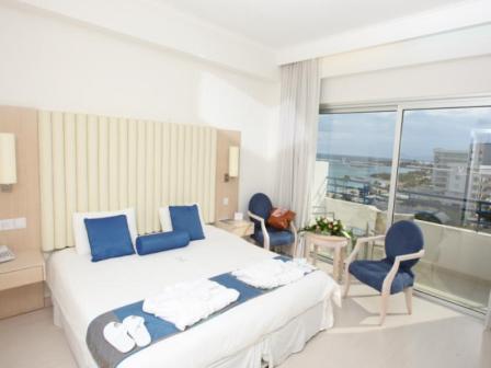 HOTEL VRISSIANA BEACH dubla.jpg